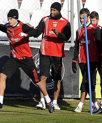 Kanout�, durante un entrenamiento con el Sevilla