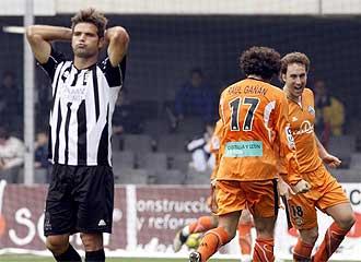 De Lucas se lamenta tras un gol del Salamanca la pasada jornada.