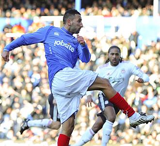 Nadir Belhadj marca el primer tanto del partido.