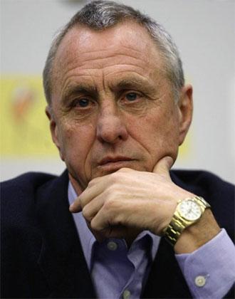 Cruyff, durante la rueda de prensa que ofreció como seleccionador catalán.