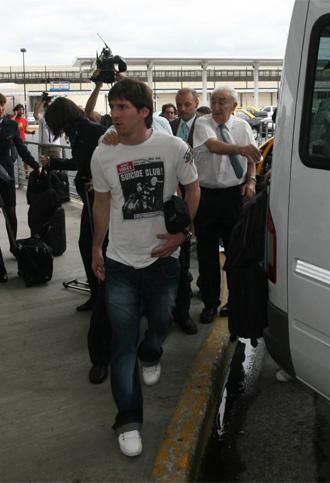 Messi en su llegada al aeropuerto de Buenos Aires