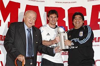 Di Stéfano, Maradona y Messi en la entrega del Trofeo MARCA Di Stéfano a éste último.