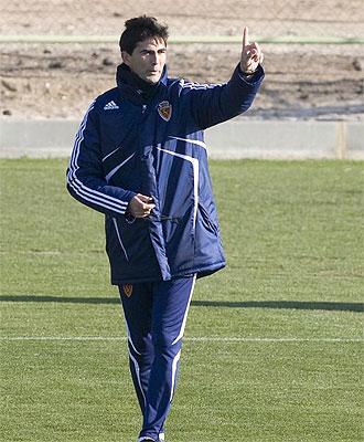 Gay dirige un entrenamiento del Zaragoza.