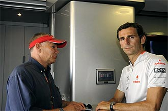 Peter Windsor, director deportivo del equipo, junto a Pedro Mart�nez de la Rosa.