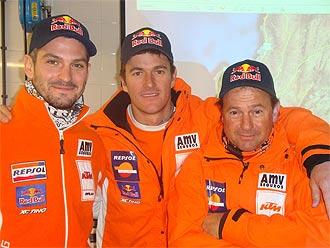 Los pilotos AMV Marc Coma y Jordi Viladoms preparan el ataque al Dakar 2010