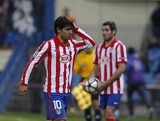 Ag�ero se retira lesionado en un partido de Champions