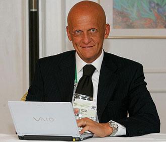 El ex árbitro italiano Pierluigi Collina