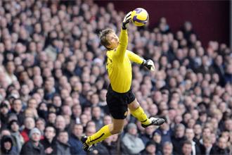 Van der Sar, en un partido con el Manchester United
