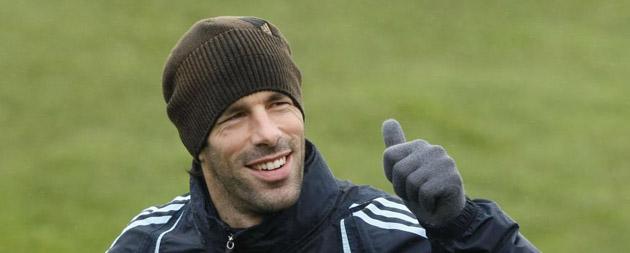 Ruud Van Nistelrooy, en un entrenamiento del Madrid tras la vuelta de vacaciones.