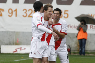 El Rayo celebra un gol.