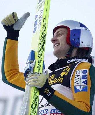 Schlierenzauer celebra su victoria en Innsbruck.