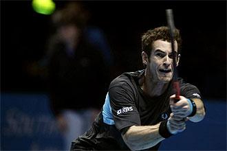 Andy Murray golpea una pelota durante la pasada Copa Masters de Londres