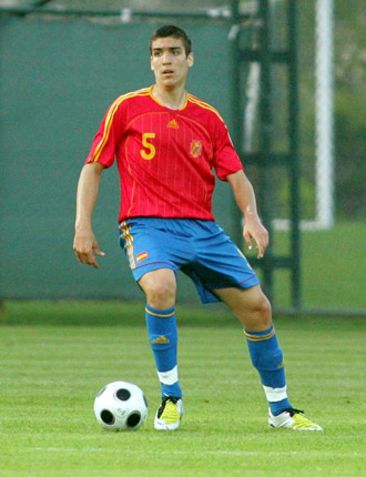 Oriol Romeu, con la selecci�n espa�ola sub 17.