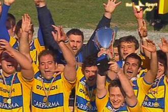 Tom�s Vallejos celebr� con sus compa�eros del Parma Overmach el triunfo en la Coppa Italia del a�o pasado.