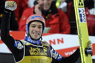 Kofler celebra su triunfo en los Cuatro Trampolines