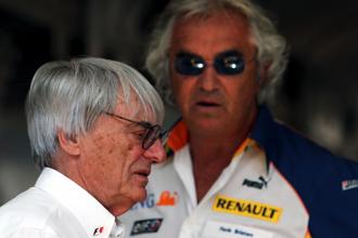Bernie Ecclestone y Flavio Briatore, durante el GP de Budapest de 2007.