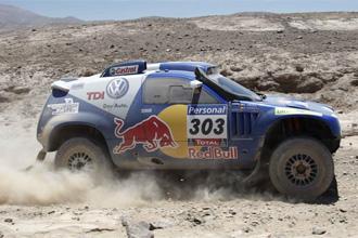 Carlos Sainz en la quinta etapa del Dakar.