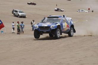 Carlos Sainz en la sexta etapa del Dakar.