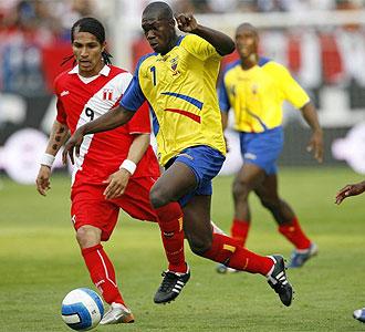 Felipe Caicedo con la selecci�n de su pa�s.