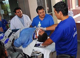 Luca Manca durante su traslado al hospital