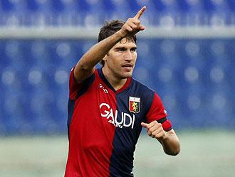 Zapater celebrando un gol con el Genoa