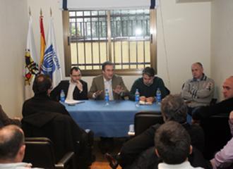 Imagen de la reuni�n de Javier Lozano con los entrenadores de Divisi�n de Honor