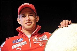 Stoner, en rueda de prensa con Ducati