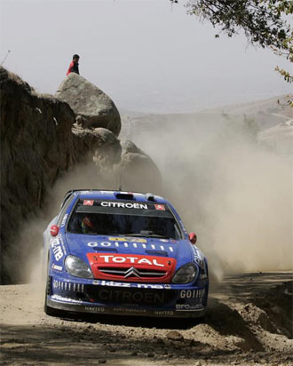 Petter Solberg disputa un rally con un Citroen Xara en una foto de archivo