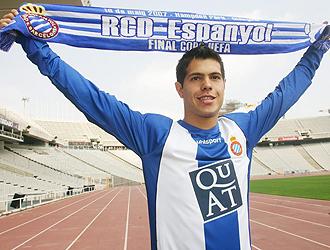 Milan Smiljanic, conocido como 'Lola', en su presentaci�n como jugador del Espanyol en julio de 2007.