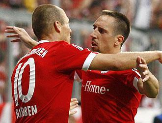 Robben y Ribery celebrando un gol con el Bayern