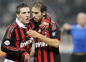 El Milan celebra un gol.