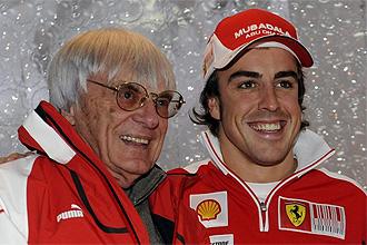 Ecclestone posa con Fernando Alonso.