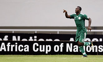 Yakubu celebra su gol ante Benin
