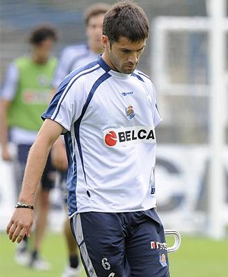 Mikel Labaka, durante un entrenamiento de la Real Sociedad, en una imagen de archivo
