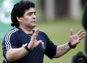 Maradona, en un entrenamiento.
