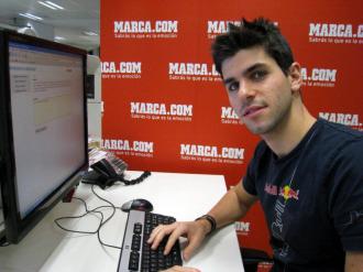 El piloto espa�ol Jaime Alguersuari, en su visita a la redacci�n de MARCA.com
