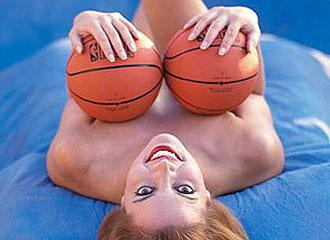 Jeanie Buss en su famoso reportaje para Playboy
