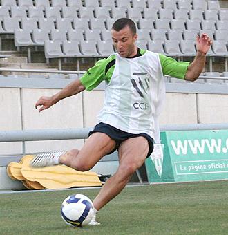 Pepe D�az, el protagonista de la pen�ltima jornada de la primera vuelta, durante un entrenamiento del C�rdoba