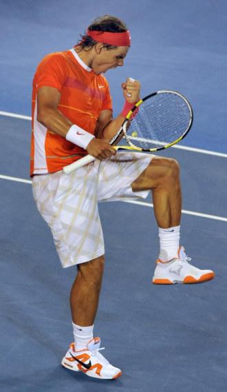 Rafa Nadal celebra un punto ante Phillip Kohlschreiber.