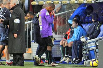 Mtiliga se retira sustituido tras la agresi�n de Cristiano.