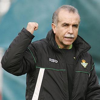 Tapia dirige el entrenamiento del Betis