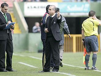 Tapia dirigi� ante el Levante su �ltimo partido al frente del Betis.