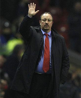 Rafa Ben�tez hace un gesto durante un partido.