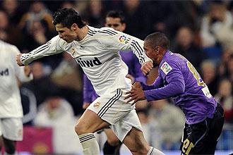 Cristiano Ronaldo en el momento de golpear a Mtiliga