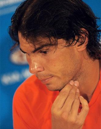 Nadal, en rueda de prensa tras abandonar por lesi�n su partido ante Murray en Australia.