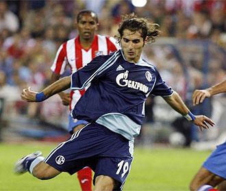 Altintop se enfrent� al Atl�tico con el Schalke 04.