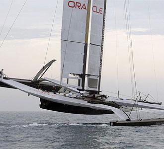 El Oracle en plena regata.