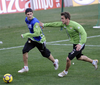Caffa, junto a Melli durante un entrenamiento del Betis