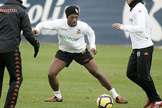 Fernandes, en un entrenamiento del Valencia