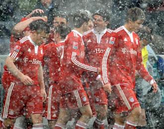El partido del Allianz Arena estuvo marcado por la intensa nevada ca�da en la capital b�vara.